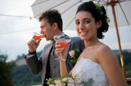 Wedding couple drinking cocktail